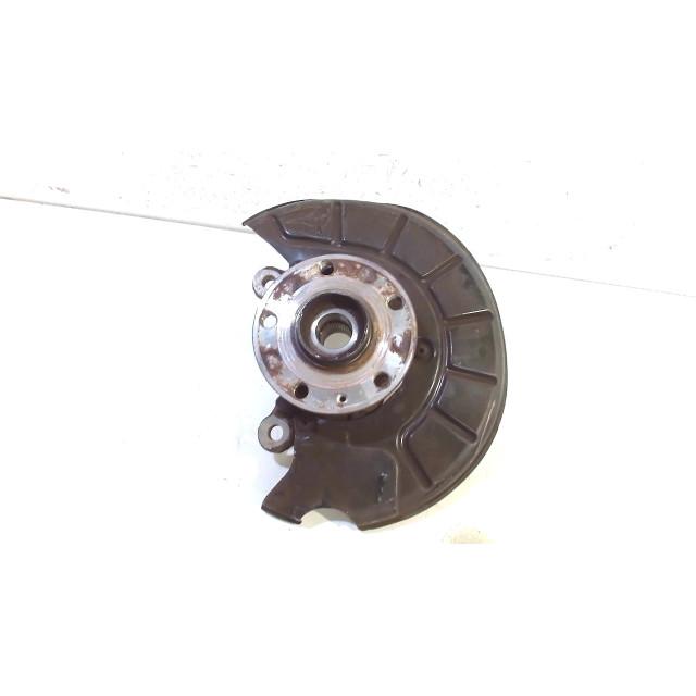 Wielnaaf links voor Volkswagen Caddy III (2KA/2KH/2CA/2CH) (2004 - 2015) Van 1.6 TDI 16V (CAYD)